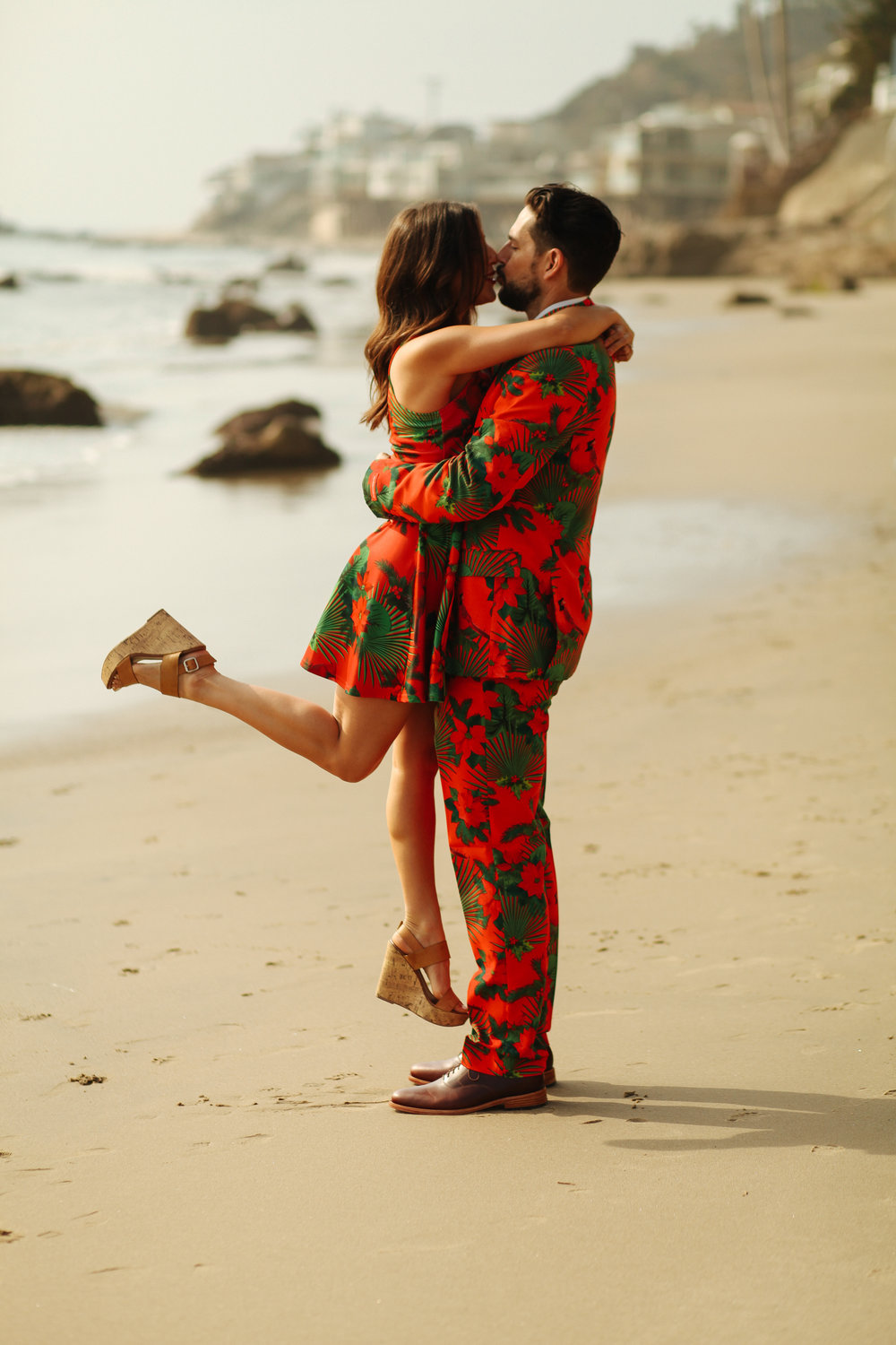 love, embrace, beach, engagement, Christmas, kissing