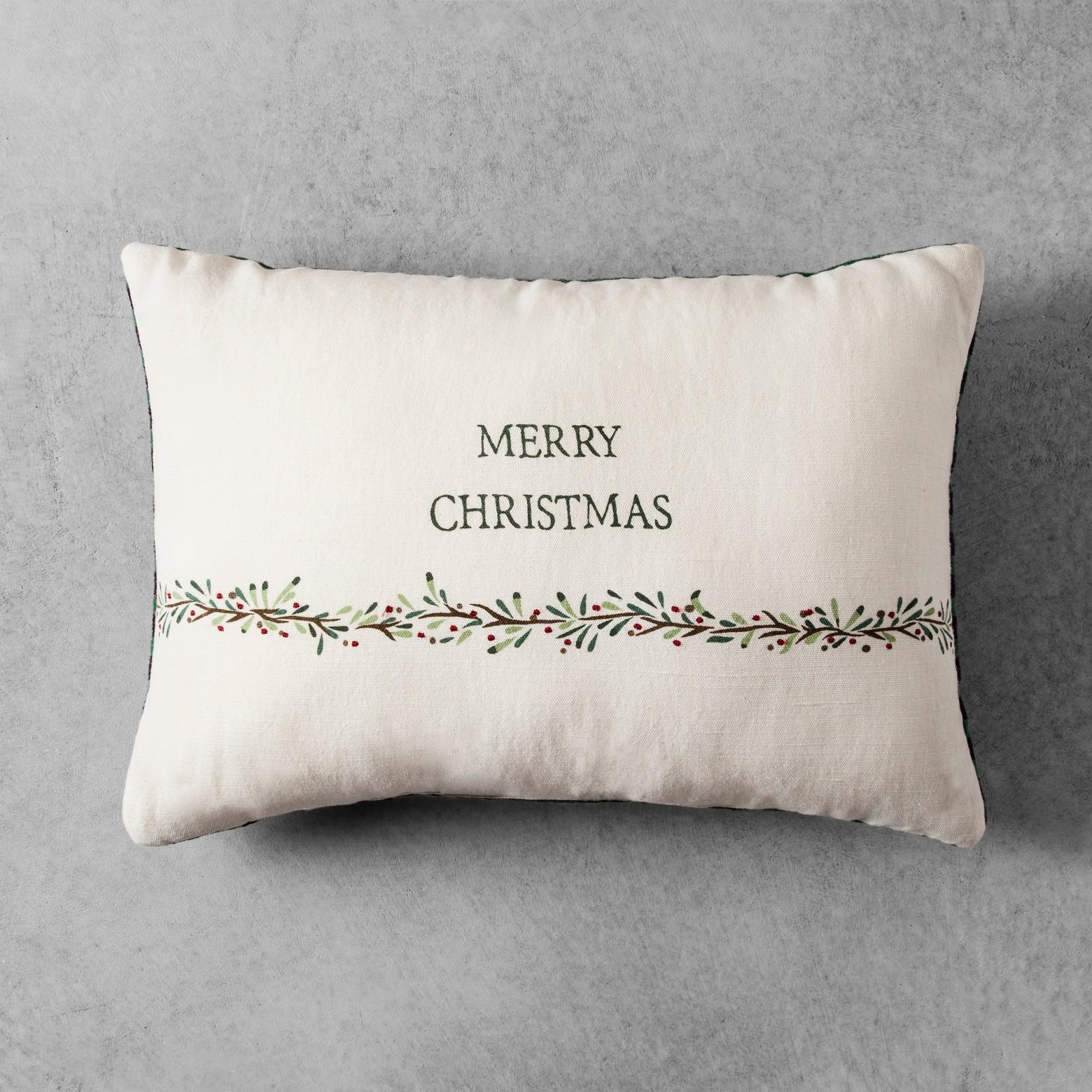 Home & Hearth Christmas Pillow