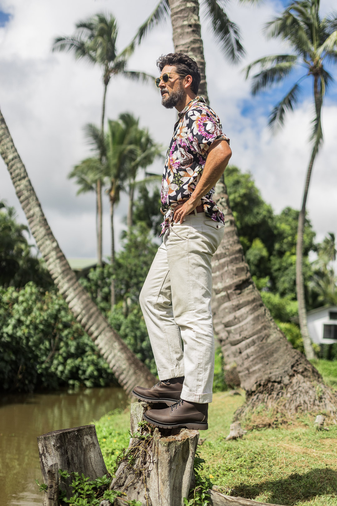 Lifestyle blogger Outlined Cloth adventuring Kauai in Sperry boots